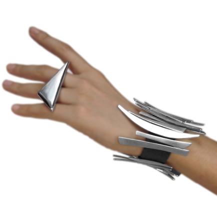 six-jewelry-1